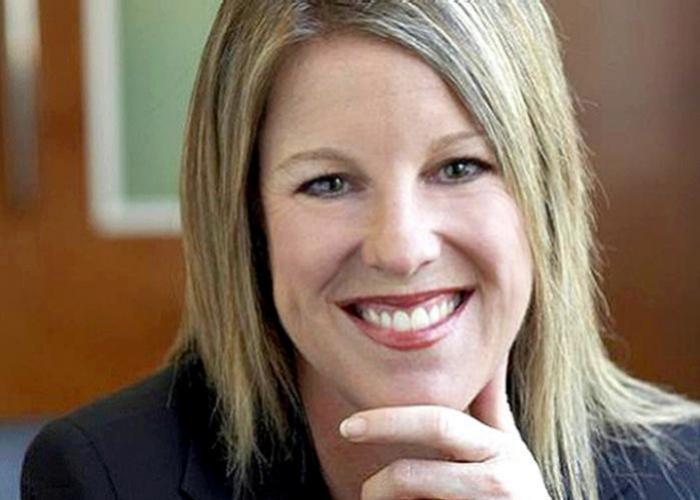 Amanda J Mostyn